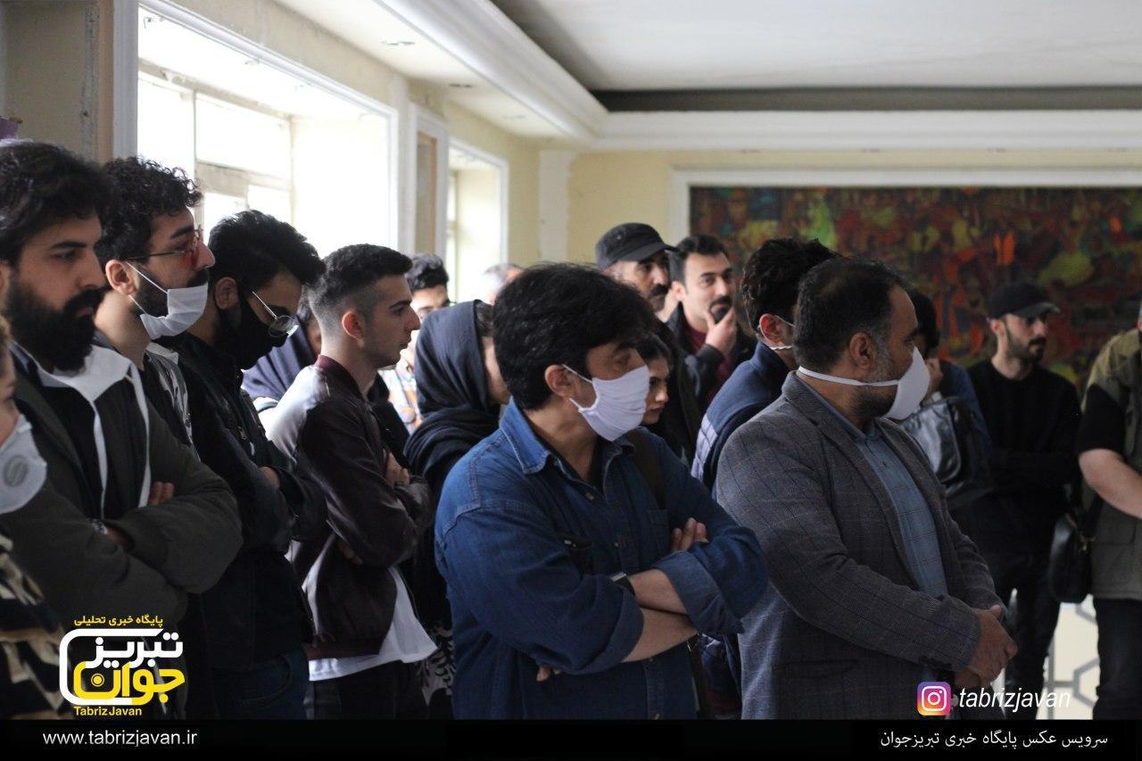 تجمع هنرمندان تئاتر تبریز در اعتراض به نحوه ساخت سالن قدیمی هنرهای نمایشی